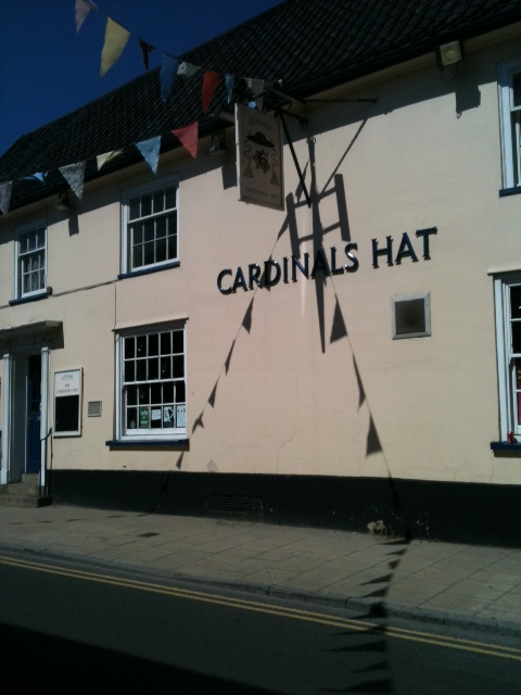 The Cardinals Hat, Harleston