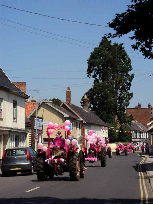 Ladies Tractor Run, the Ladies turning the town pink